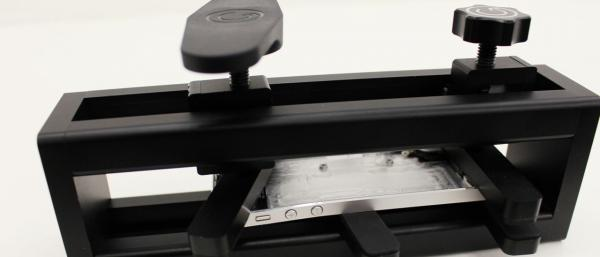 The gTool PanelPress Will Fix Those Bent iPhones