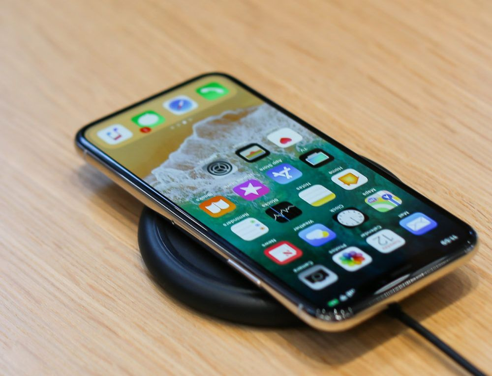 3 Reasons Why You Should (and 2 Why You Should Not) Get the New iPhone in 2018